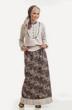 Contoh model busana batik muslim remaja