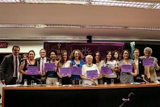 PSOL tenta legalizar aborto no Brasil