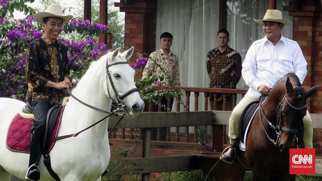 Jokowi menang Foting yang dilakukan oleh Fadli Zhon di Twitter pribadinya