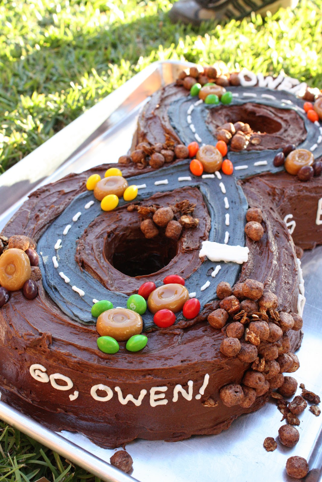 The Funky Clothespin Number Eight Racetrack Cake Easy Birthday Cakes For 10 Year Old Boy