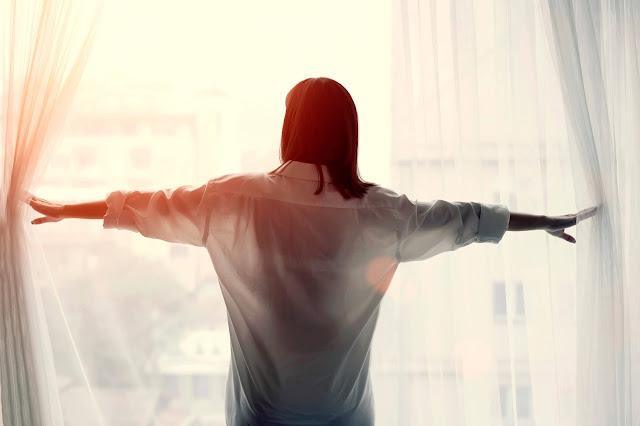 كيف تستعيد طاقتك الإيجابية عندما تكون الأمور صعبة