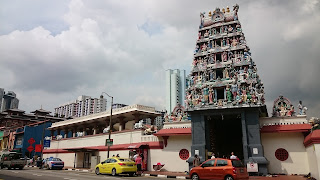 Sri Mariamman Temple Chinatown Singapore.JPG