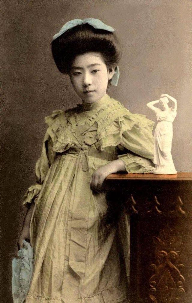 25 rare and fascinating vintage photos of geisha and maiko