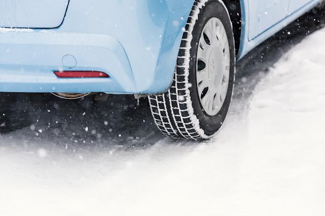 車輪と雪道