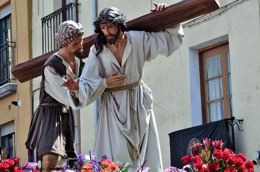 Nuestro Señor Jesús Nazareno. (e imagen del Cirineo). Cofradía Santo Cristo de la Bienaventuranza. Foto G. Márquez