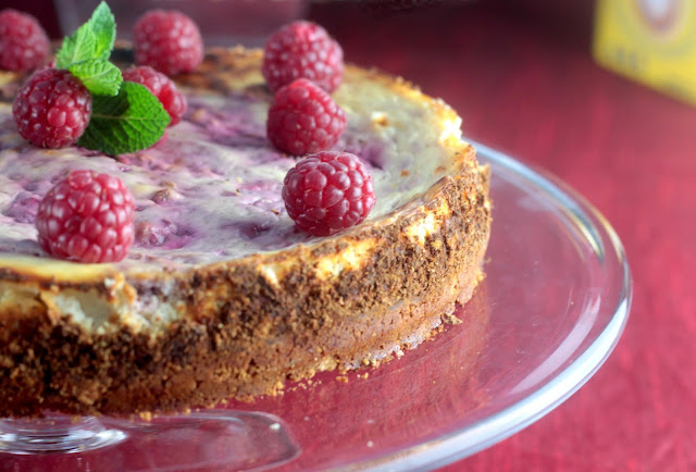 https://www.astrongcoffee.co.uk/2017/12/raspberry-cheesecake-with-raspberry-and.html