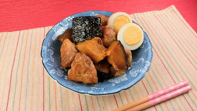 フライパンひとつで簡単に夕食ができる!かぼちゃと鶏肉の揚げ煮