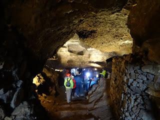 Entrada a la mina de Cueva del Hierro