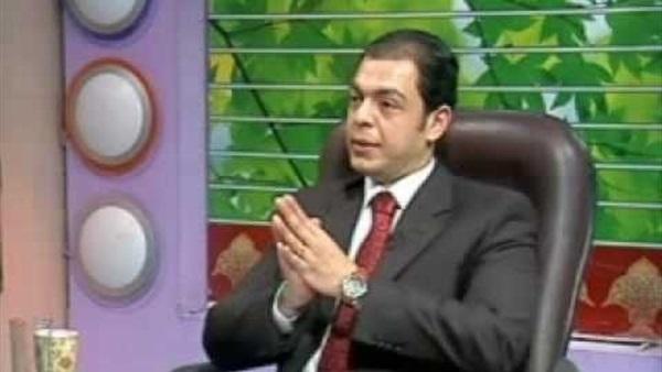 الإعلامي حاتم نعمان يتهم وزارة التربية والتعليم بالفساد