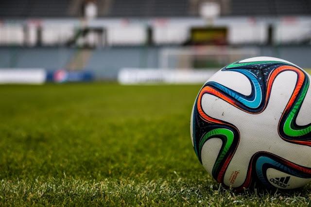 Kosakata Nama-nama Alat Perlengkapan Untuk Permainan Sepakbola Dalam Bahasa Inggris - Daily English Vocabulary #43