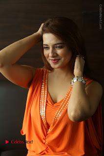 Actress Saloni Aswani Pos in Short Dress at Meelo Evaru Koteeswarudu Movie Interview  0086.JPG