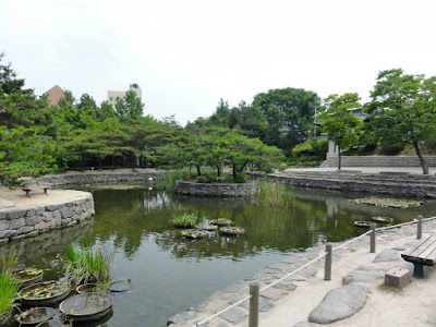Pond in Namsangol Hanok Village Seoul
