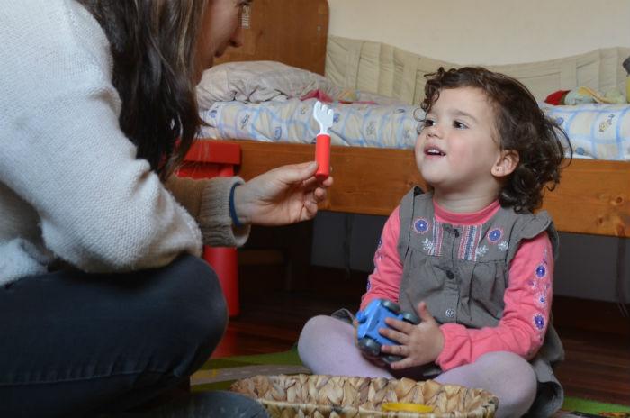 juego de los sonidos montessori para adquirir conciencia fonológica, base para el aprendizaje de la lectura y la escritura