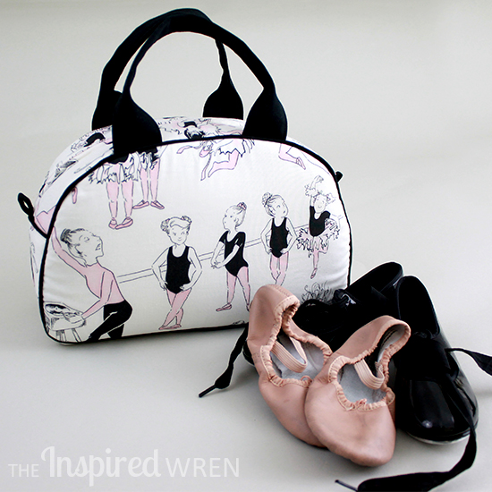 Perfect combination of fabric and sewing pattern! Dottie Vintage Handbag | The Inspired Wren
