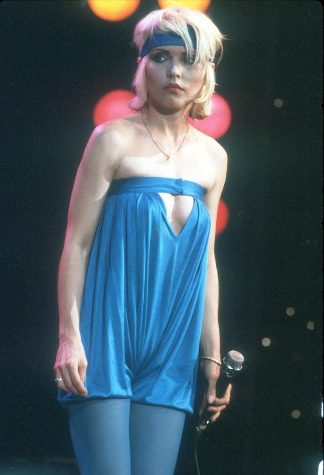 30 Hottest Photographs Of Debbie Harry On Stage From The