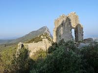 サン=マチュー=ド=トレヴィエからモンフェラン城へのハイキング