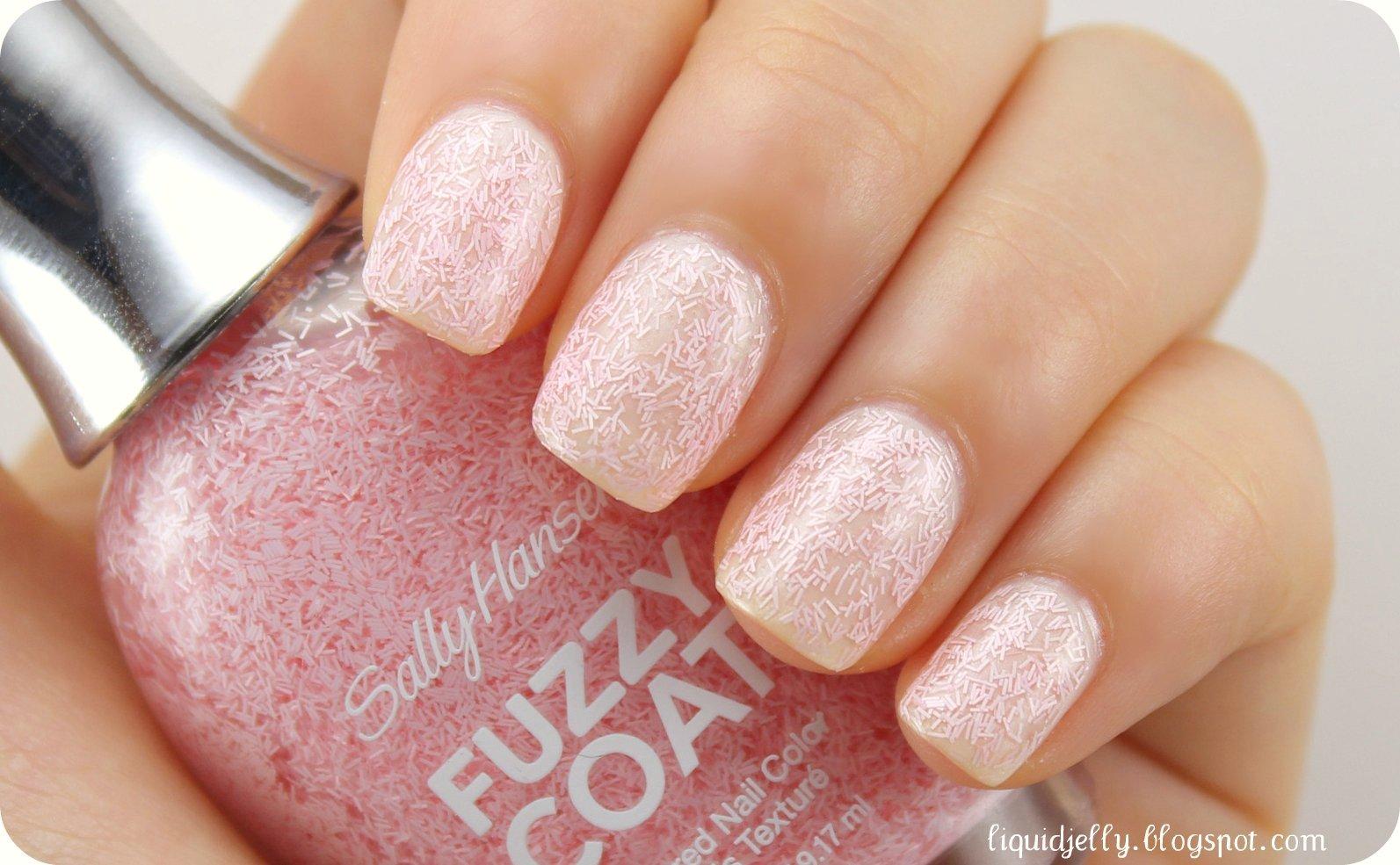 Liquid Jelly: Sally Hansen Fuzzy Coat Review