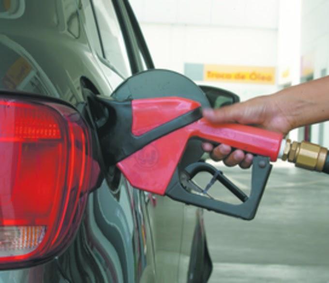 A PARTIR DE 1º NOVEMBRO: Confaz projeta preço médio da gasolina em R$ 3,83