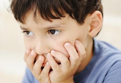 3 Kesalahan Pola Asuh Anak Lelaki Anda