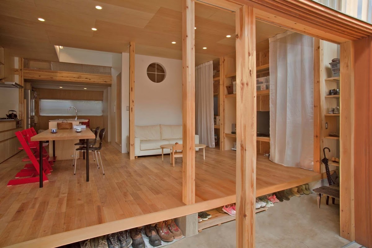 05-Hall-and-Living-Room-Mizuishi-Architects-Atelier-Light-and-Airy-House-in-Japanese-Architecture-www-designstack-co