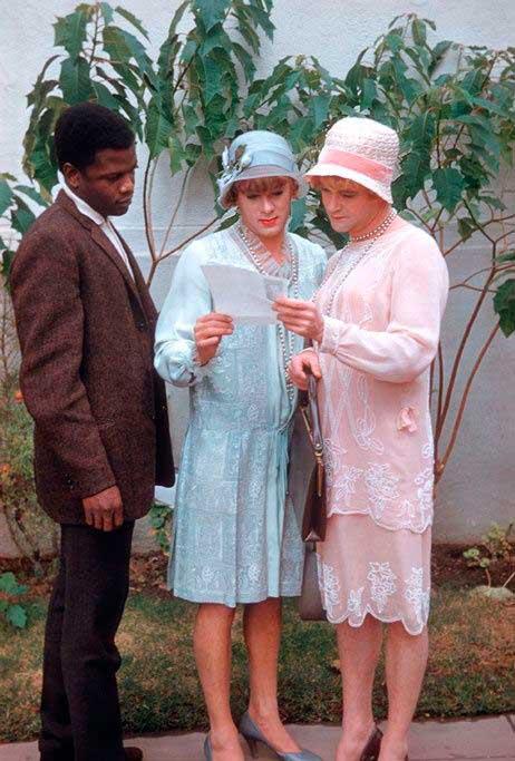 """Sidney Poitier con Tony Curtis y Jack Lemmon en un descanso del rodaje de """"Con faldas y a lo loco"""""""
