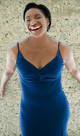 Elizabeth Llewellyn - Photograph by Shirley Suarez