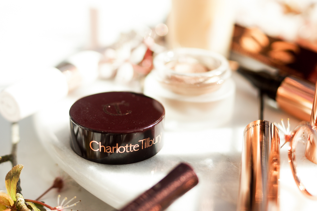 barely-there-beauty-blog-charlotte-tilbury-eyes-to-mesmerise-review