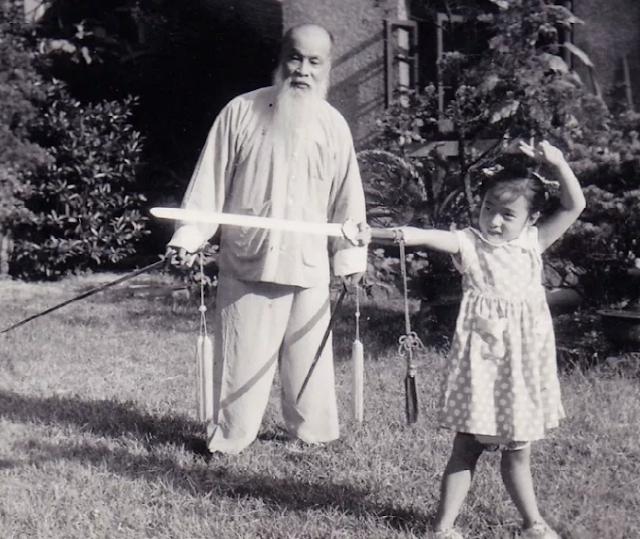 Seni Bela Diri Tiongkok Dengan Gerakan Islam - Grand Master Hui Ma Xianda dan Wang Zi-Ping