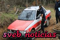 Hallan taxi de Xalapa con un cuerpo encajuelado en Emiliano Zapata