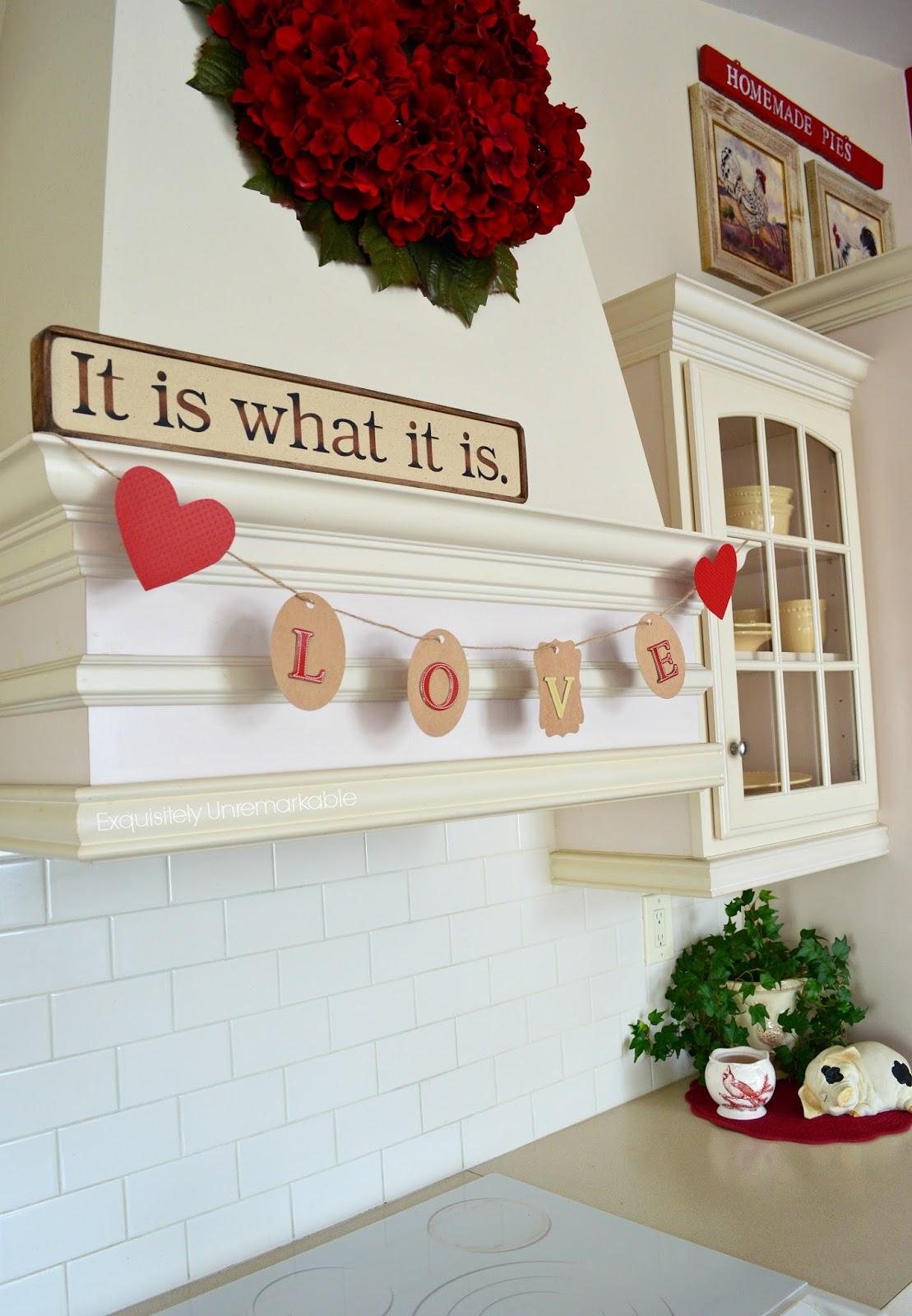 GIft Tag Valentine Banner