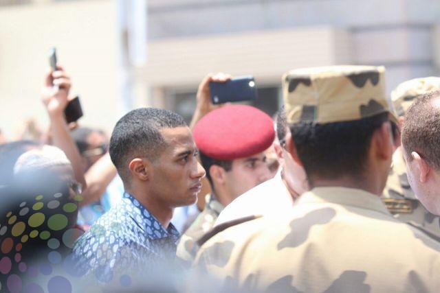 صورمحمد رمضان يشارك في جنازة الشهيد أحمد المنسي