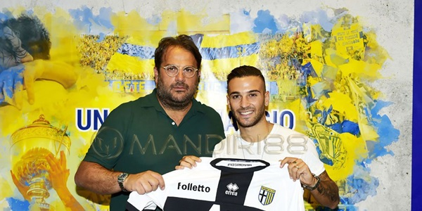 Napoli Pinjamkan Insigne ke Parma
