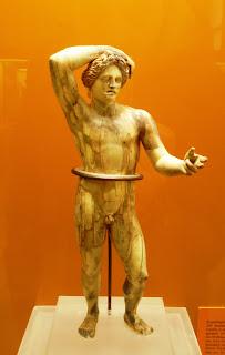 το άγαλμα του Λύκειου Απόλλωνα στο Μουσείο της Αρχαίας Αγοράς των Αθηνών