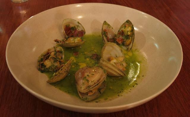 AUSTiNS, Mt Erica Hotel, tapas, clams