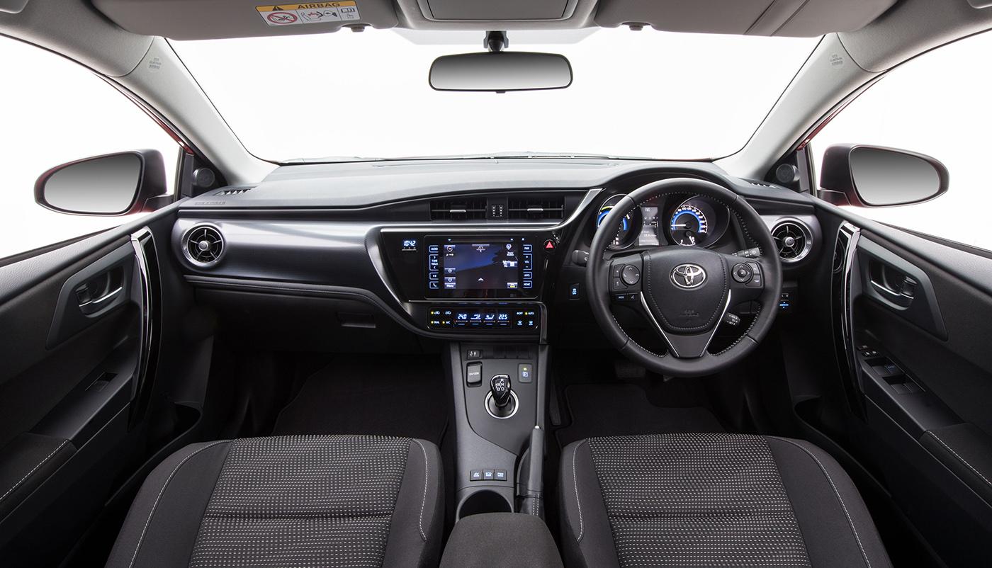 Nhiều tính năng thông minh được trang bị trên xe