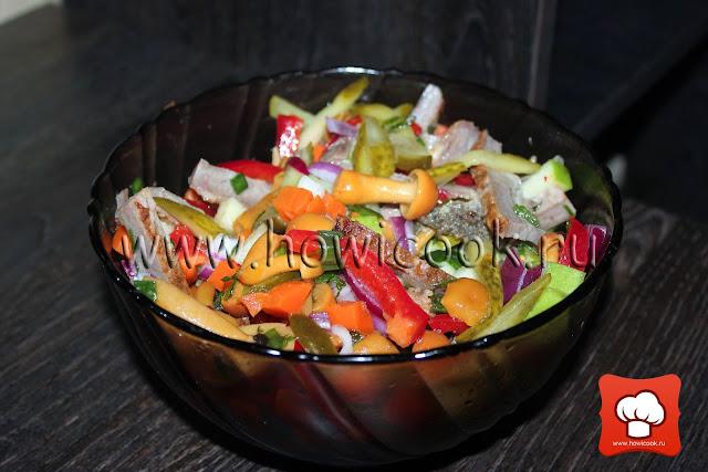 рецепт праздничного салата с грибами