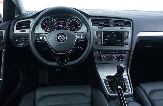 VW Golf TSI Comfortline 2017 - interior