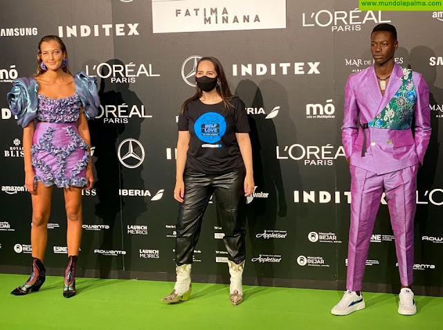La diseñadora palmera Paloma Suárez brilla en la pasarela Mercedes Benz Fashion Week