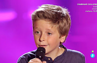 Diego Poch canta Tomorrow del musical Annie la voz kids