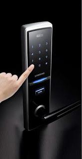Khóa điện tử vân tay Samsung vô cùng tiện lợi an toàn cho mọi gia đình
