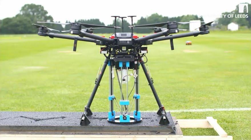 Drone trova e ripara buche stradali con una stampante 3D - VIDEO.