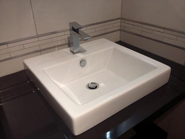 vasque à poser, paln de toilette, gris blanc, anthracite