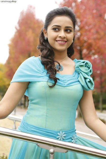 IMG 20170801 WA0135 - Actress Sri Divya's Hot & Spicy Images In Saree|Top 25-Spicy Photos|decide to go NO Glamour in Her Movies
