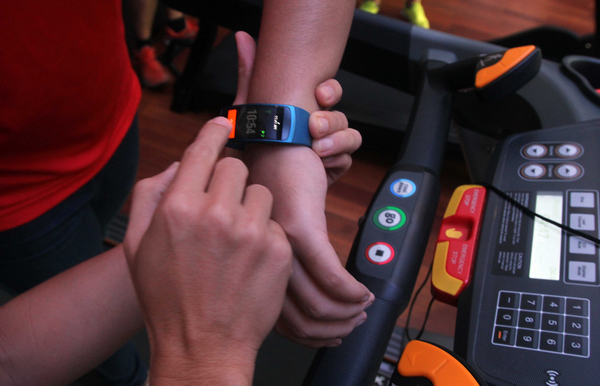 Samsung Gear Fit 2 and Icon X Launched, Fitness Wearables Below PHP 10,000