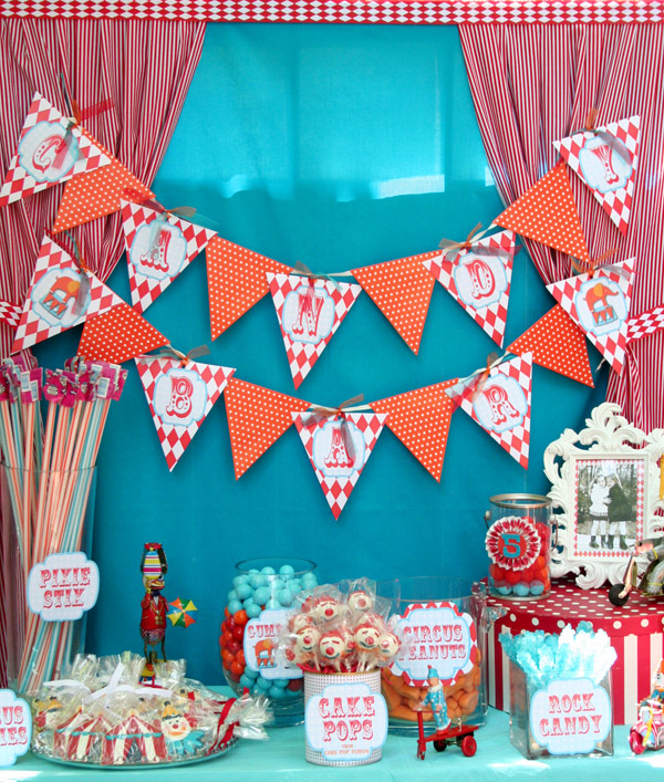 Circus Carnival Party Candy Bar! {Real Parties I've Styled