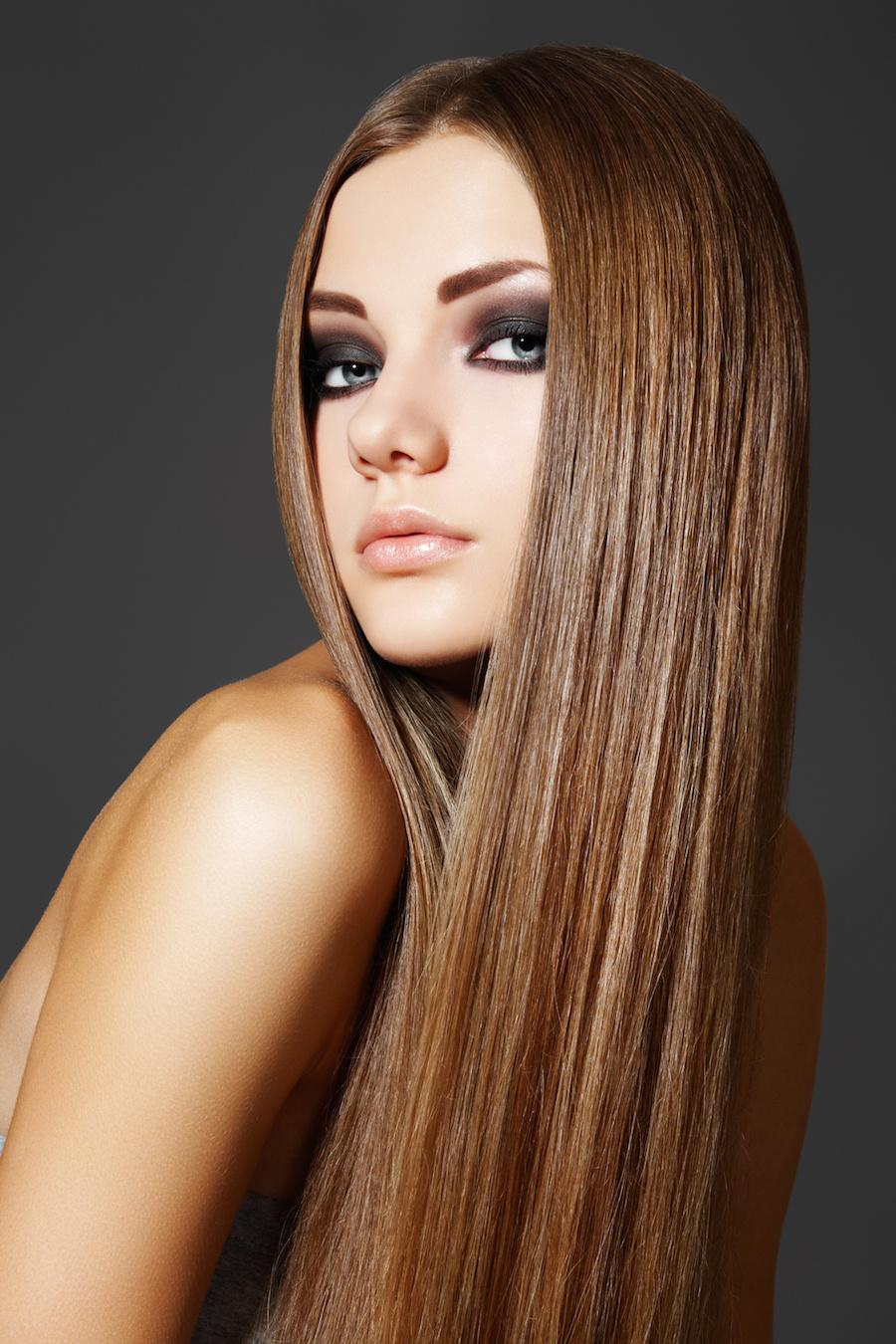 L Astuce Miracle Qui Consiste à Se Lisser Les Cheveux Avec Une Paire De Bas Vidéo Inside Beautylicieuse