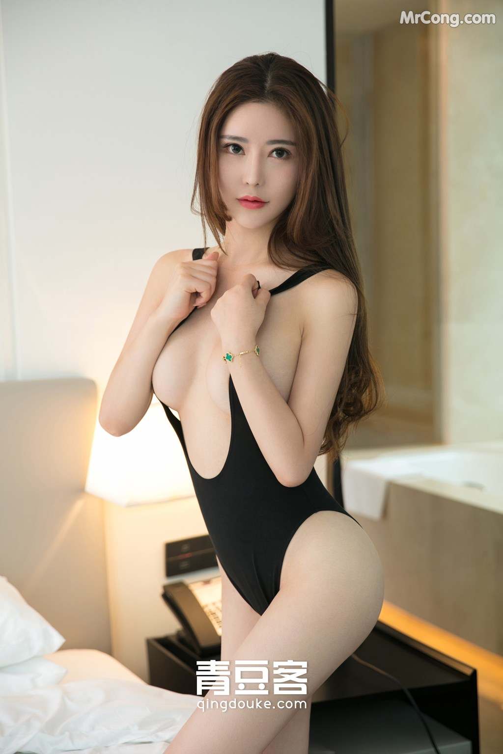 Image QingDouKe-2017-11-12-Tong-Man-MrCong.com-002 in post QingDouKe 2017-11-12: Người mẫu Tong Man (佟蔓) (50 ảnh)