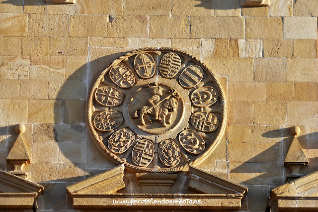 Escudo de los doce linajes