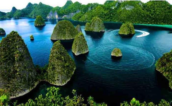 Tempat Wisata di Papua Barat- 5 Tempat Ini Tidak Kalah Seru Dari Raja Ampat