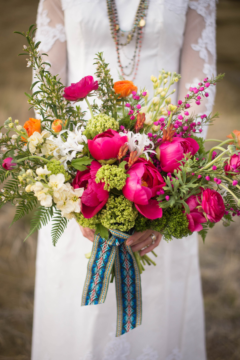 mexican inspired bouquet / Photography: Font & Figure / Floral: Mac's Floral / Rentals: Hutch Event Rentals